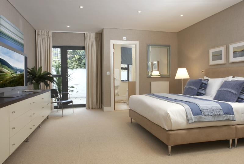 39 stunning master bedroom en suite islington mews 39 room to rent from spareroom Ensuite to master bedroom