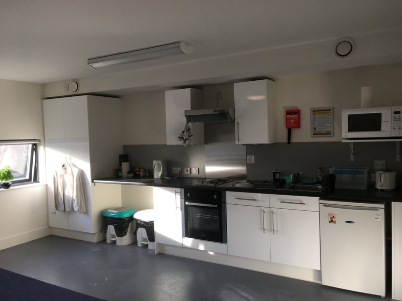 Rent Room London With Bathroom Kitchen Inside