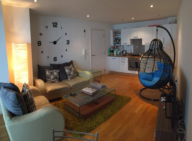 Click To Zoom: Living Room And Kitchen