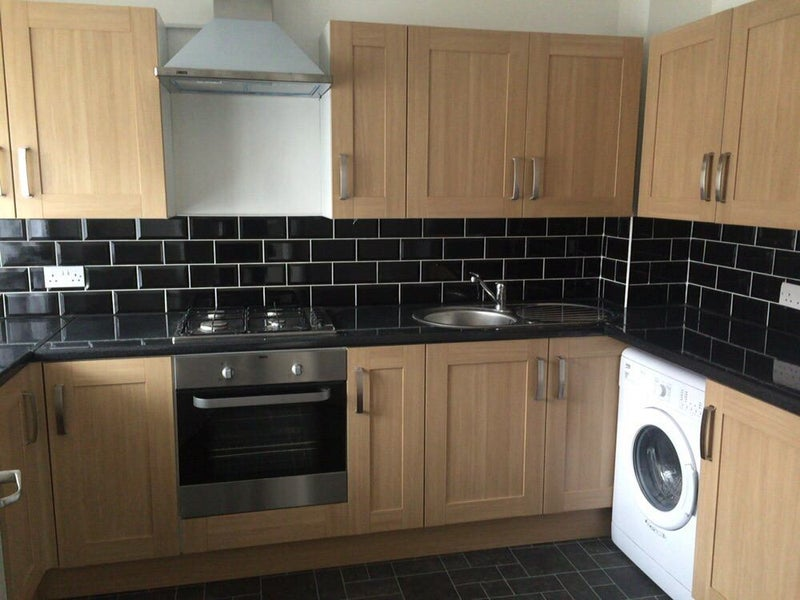 39 nice double room in bethnal green all bills inc 39 room for Furniture xpress bethnal green