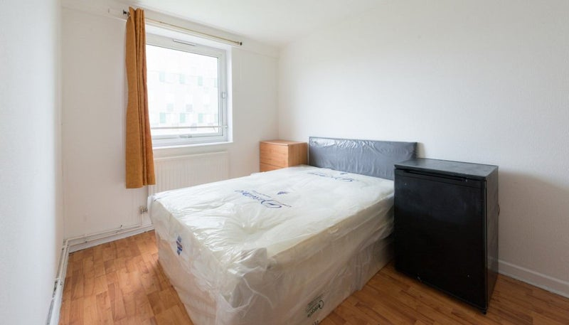 39 2 beautiful rooms in bethnal green all bills inc 39 room for Furniture xpress bethnal green