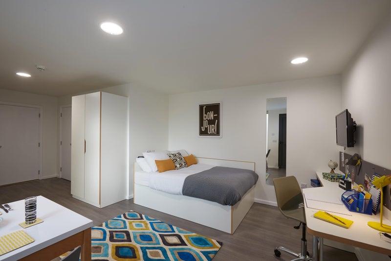 39 new studio near train station hallam uni 39 room to. Black Bedroom Furniture Sets. Home Design Ideas