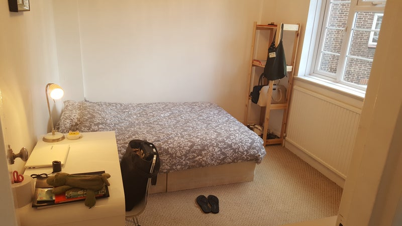 Room Flat To Rent In Westhampstead