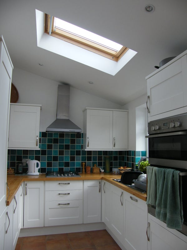 Click to zoom: Kitchen