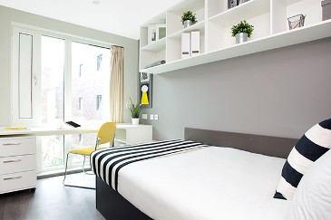Click To Zoom Standard Bedroom