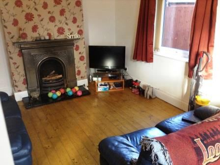 2 Rooms Available In A 4 Bedroom House Share Spareroom