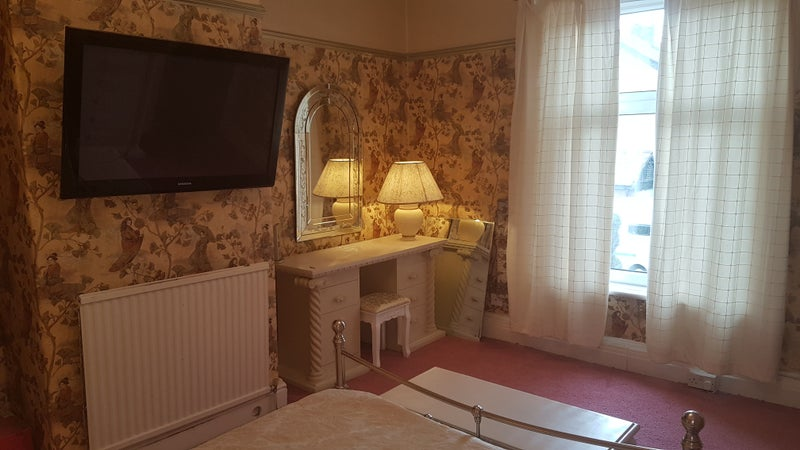 39 beautiful double bedroom only 2 week deposit 39 room to for Beautiful bedroom pictures only