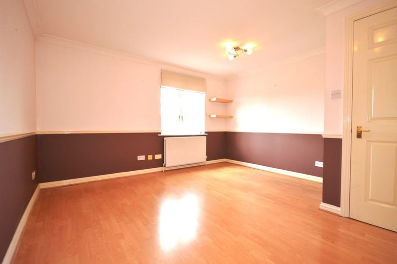 39 Part Dss Accepted Fab 1 Double Bed Flat In E1 39 Room To Rent From