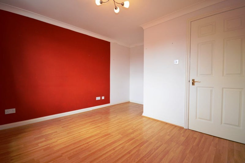 part dss accepted fab 1 double bed flat in e1 39 room to rent from