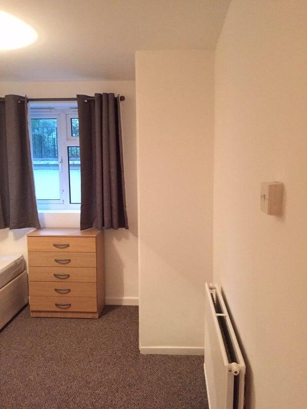 Double Room To Rent In Sydenham