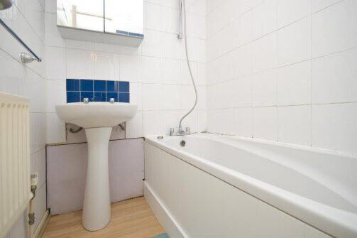 Large Double Room Newly Done Available To Rent E14 Room