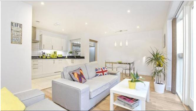 Beautiful House By Tredegar Square Bow In A Quiet Gated Mews Yet Only 2 Minutes Walk To Mile End 2 Stops From Liverpool St Station 15 Minutes To