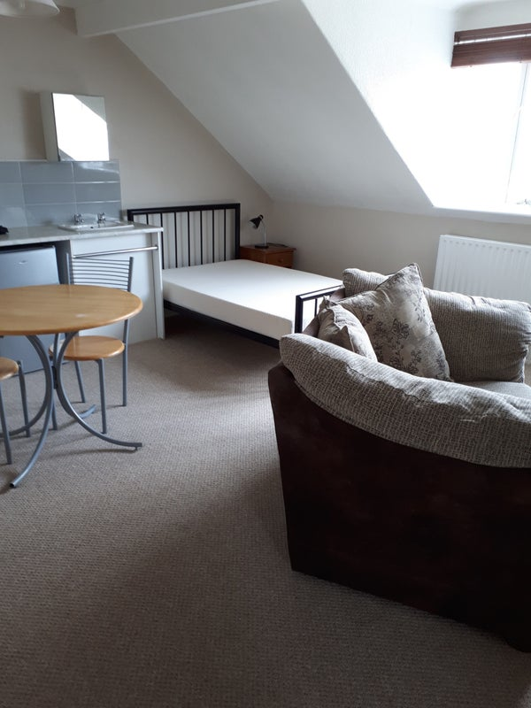 Rear Opportunity To Rent Superb Refurbished Bedsit In This Well Established  And Well Run House Which Was The First HMO To Gain A Licence In The  Harrogate ...