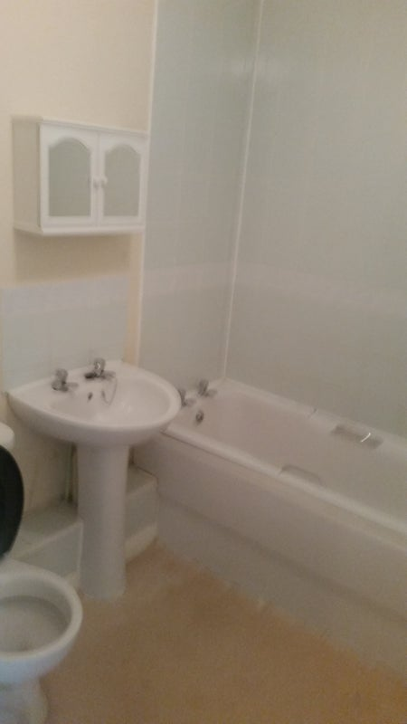 Room For Rent In Crawley For Two Person