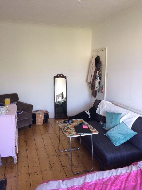 Rent Room In Western Road Brighton