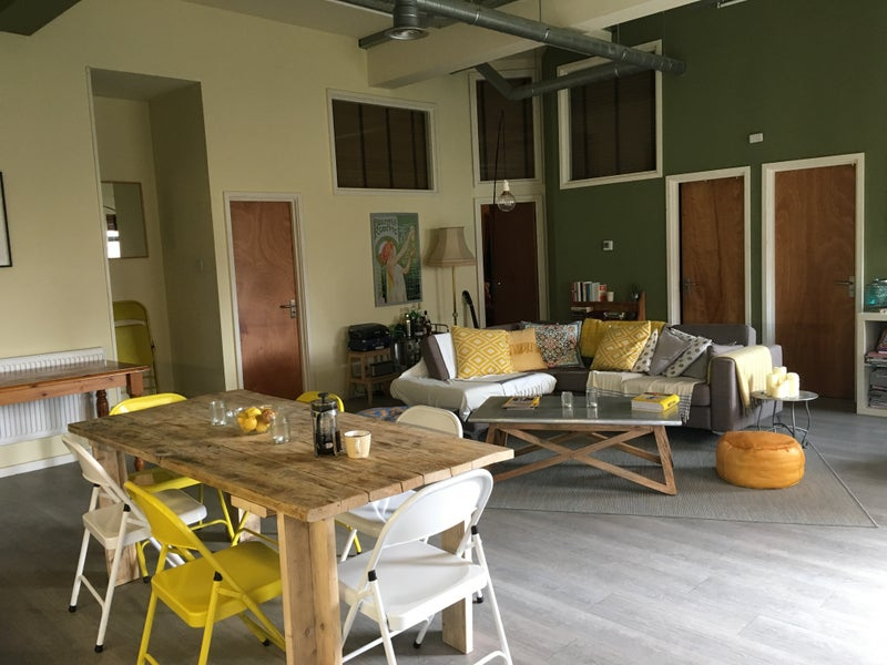 Rooms Available In Large Manor House Warehouse Conversion