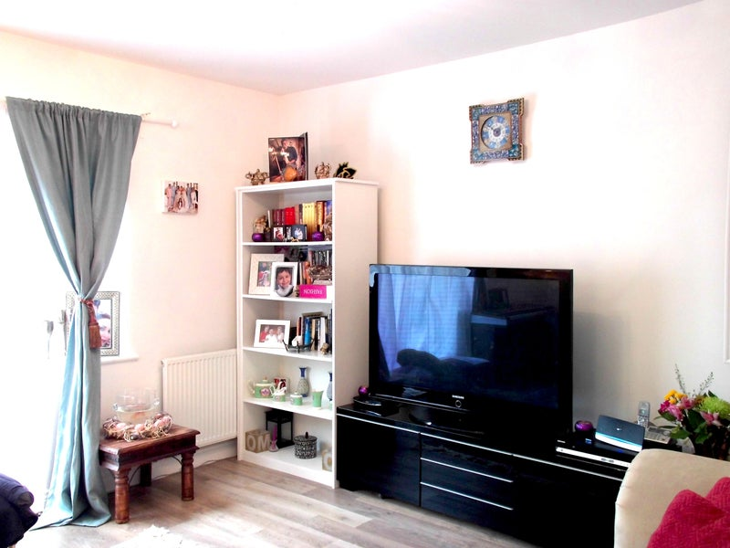 Bed House To Rent In Eltham