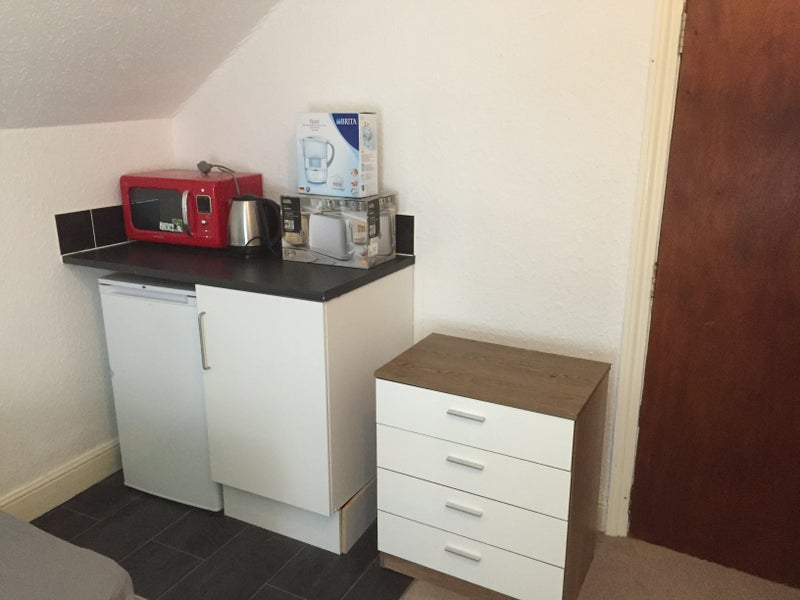 39 loveley cosy room with mini kitchenette 39 room to rent Kitchenette meaning