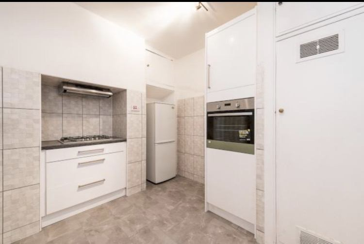 Room To Rent In Edgware Road