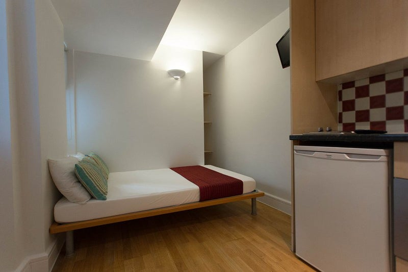 39 newly decorated open plan studio in bayswater 39 room to for Studio apartment design uk