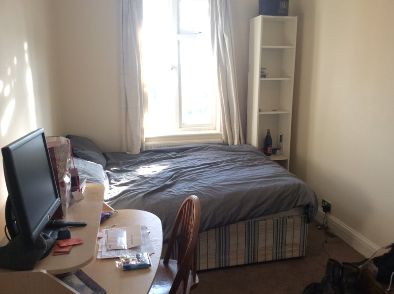 Lovely Double Bedroom Close To Finchley Station Room To