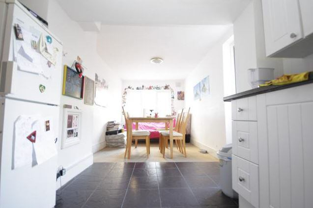 39 spacious 4 bedroom split level apartment clapton 39 room to for Split level homes for rent near me