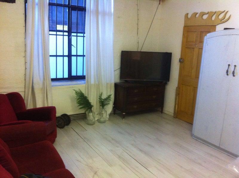 Hackney Warehouse Room Rent