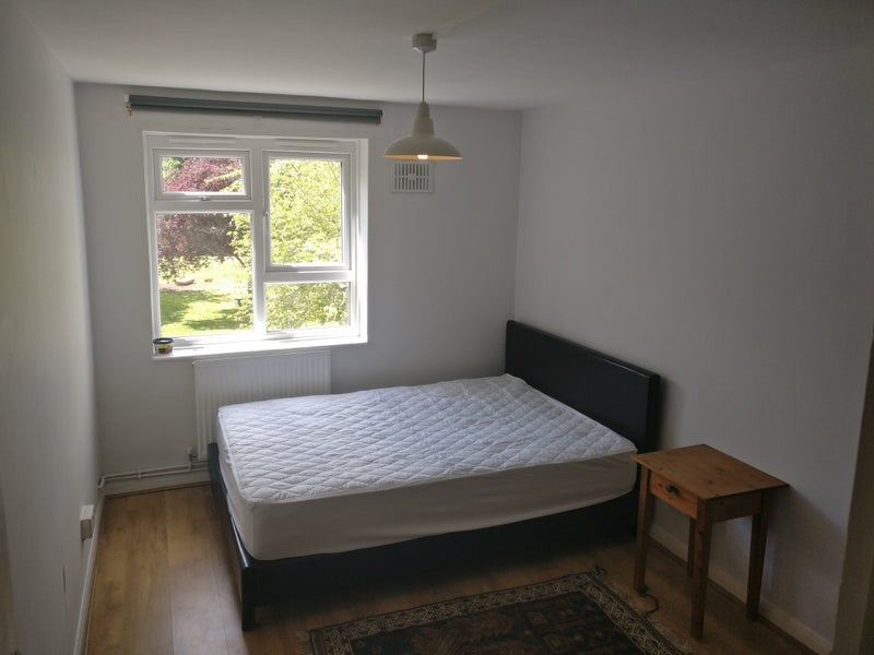 Rooms: 'Double Room In Wood Green All Bills Included' Room To