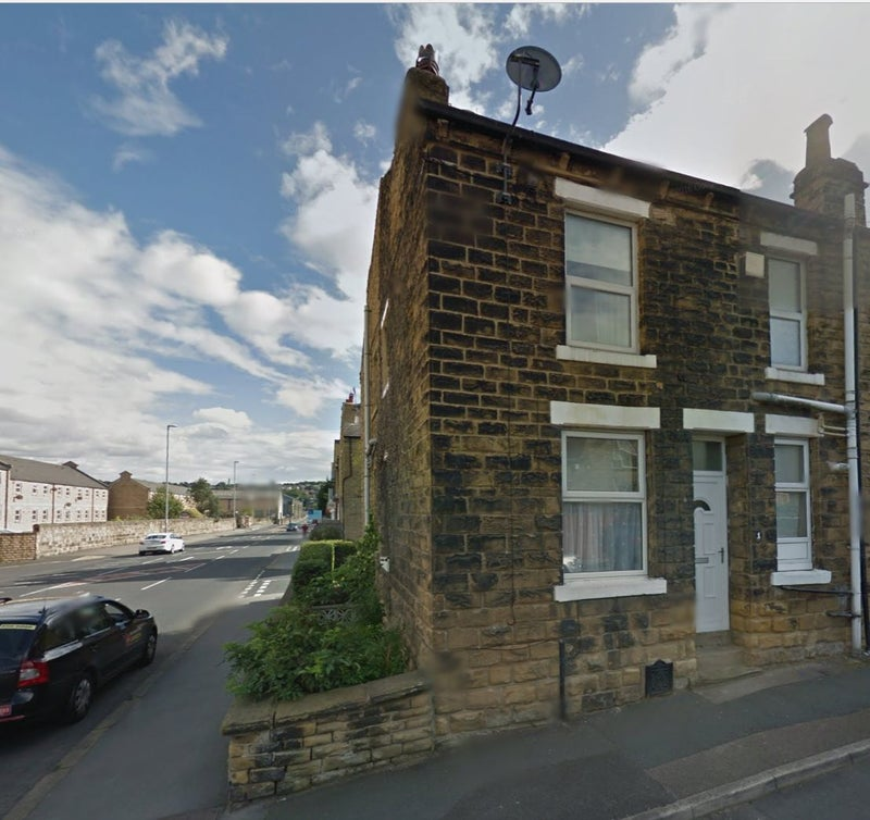Yorkshire Terrace: '2 Bedroom End-of-terrace House, Rodley, Leeds LS13' Room