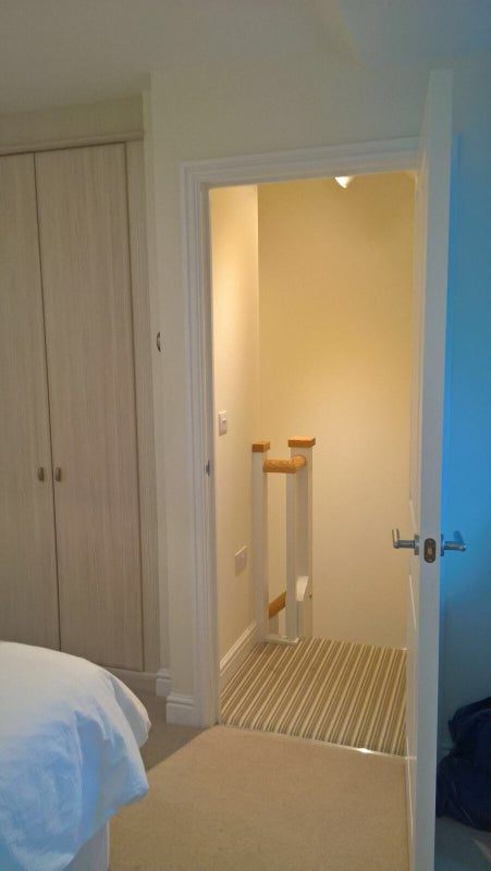 Professional Room To Rent Cirencester