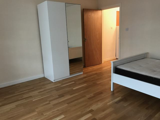 39 studio flat to rent in london en1 39 room to rent from for Laminate flooring enfield