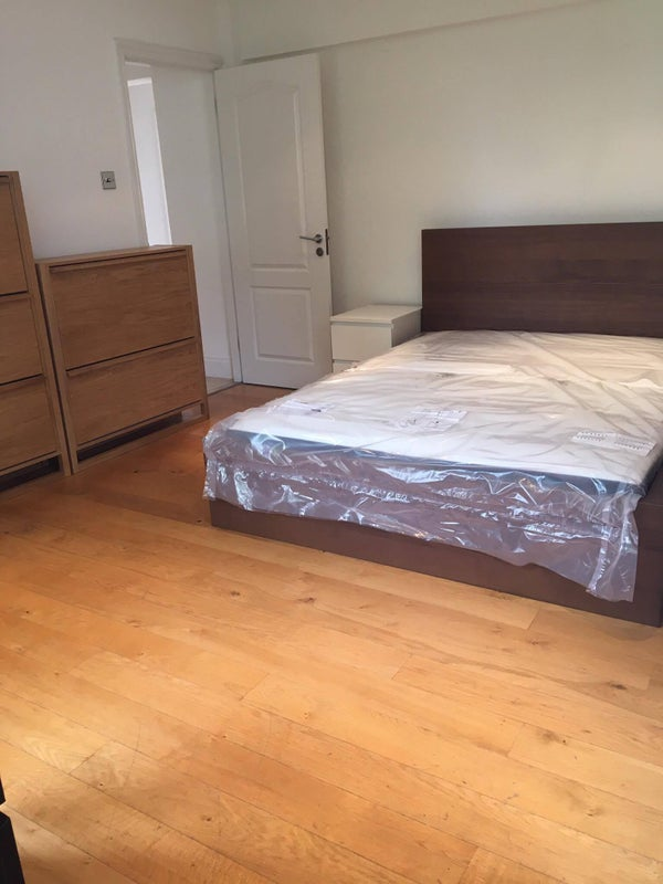 Ensuite Room To Rent In Gloucester