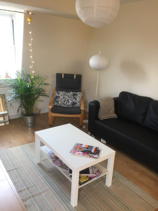 Light Spacious Top Floor 2 Bed Central Camberwell Room