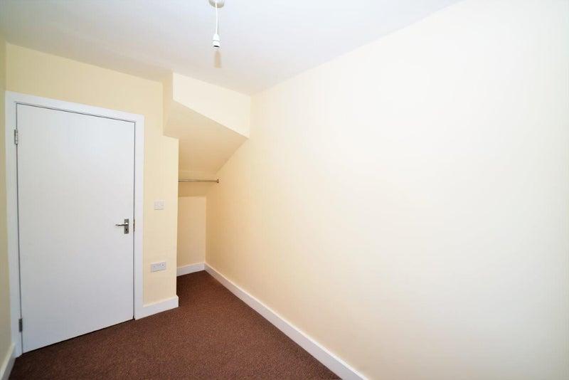Room To Rent In Burnt Oak