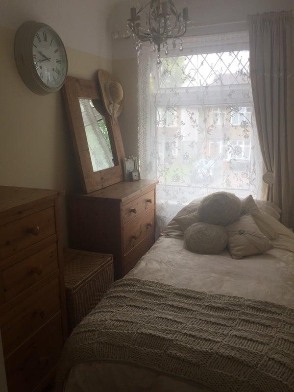 Click To Zoom: Bedroom To Rebt
