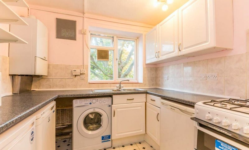 Rooms To Rent  Pounds A Month