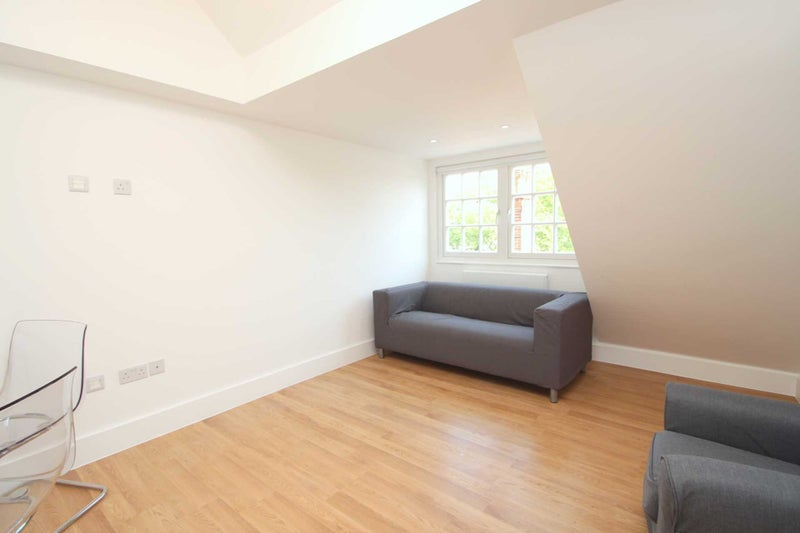 39 Modern Two Double Bedroom Split Level Flat 39 Room To Rent From Spareroom