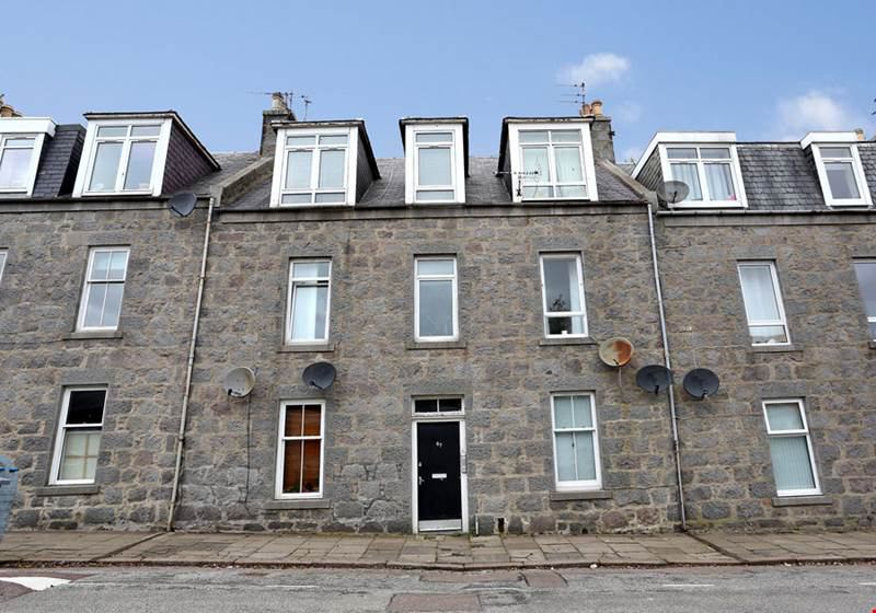 39 fully furnished flat in old aberdeen 39 room to rent from. Black Bedroom Furniture Sets. Home Design Ideas