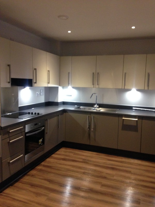 Ensuite Room To Rent In Hayes