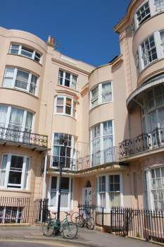 39 furnished bedsit on brighton seafront ava 13 07 39 room to for Room to rent brighton