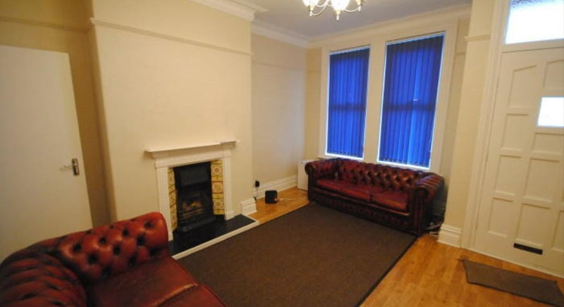 39 spacious spare room in 5 bed house in headingly 39 room to for Extra room in house