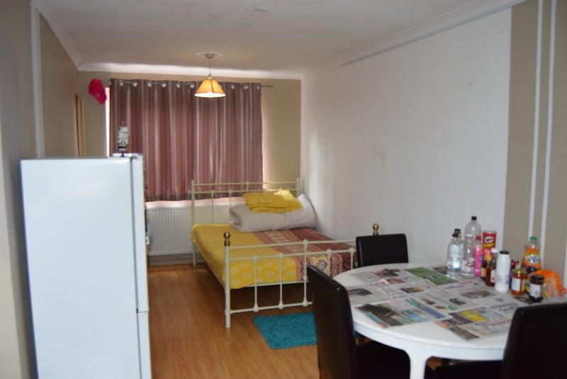 Rooms To Rent Hatfield No Deposit