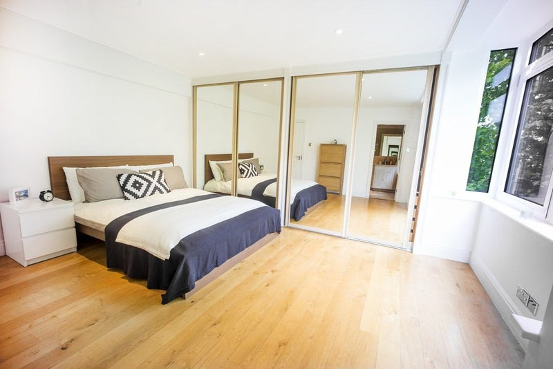Ensuite Room For Couple London