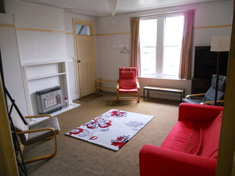 5 single bedrooms available to rent for