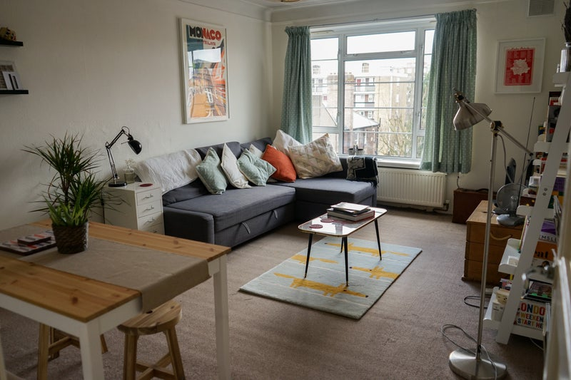 Fantastic Bright And Warm Apartment Unfurnished Close To All The Exciting Amenities That Brixton Has Offer