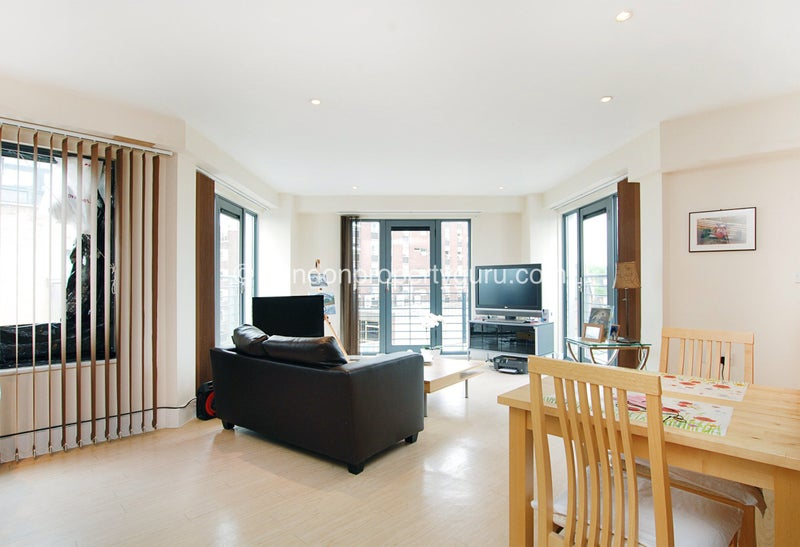 Click to zoom  Montague road  2 Bed 2 Bath flat on Montague road  Wimbledon SW19  Room to Rent  . Rooms To Rent Bath Road Heathrow. Home Design Ideas