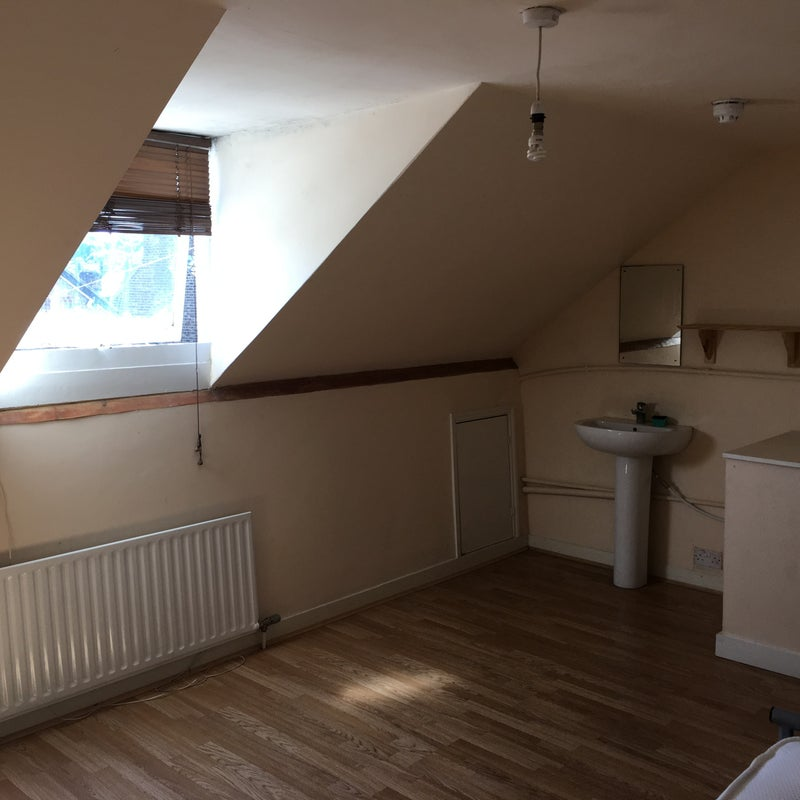 Bed Room House To Rent In Hertford