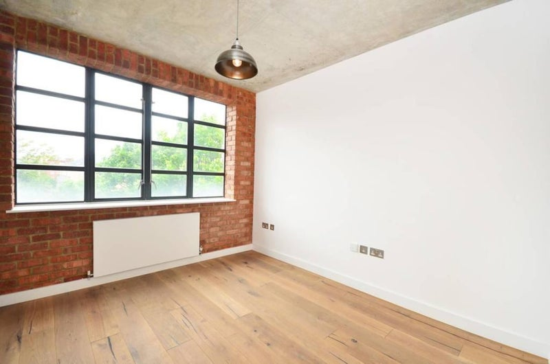 39 Stunning 2 Bed Apartment Near Old Street 39 Room To Rent From Spareroom