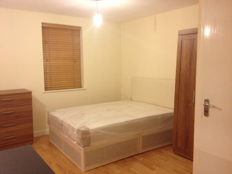 studio flat to rent west ealing london room to rent from spareroom