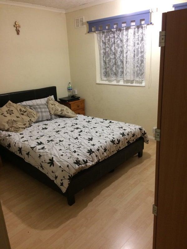 Three Bedroom Room Flat To Rent In Hatfield